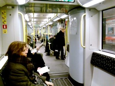 Neue Züge auf der U2: Kein Platz für Fahrgäste